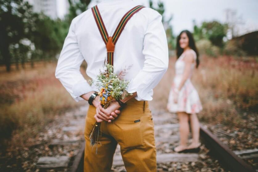 Мужчина после развода: когда можно начинать строить с ним отношения, и как понять что он готов к ним