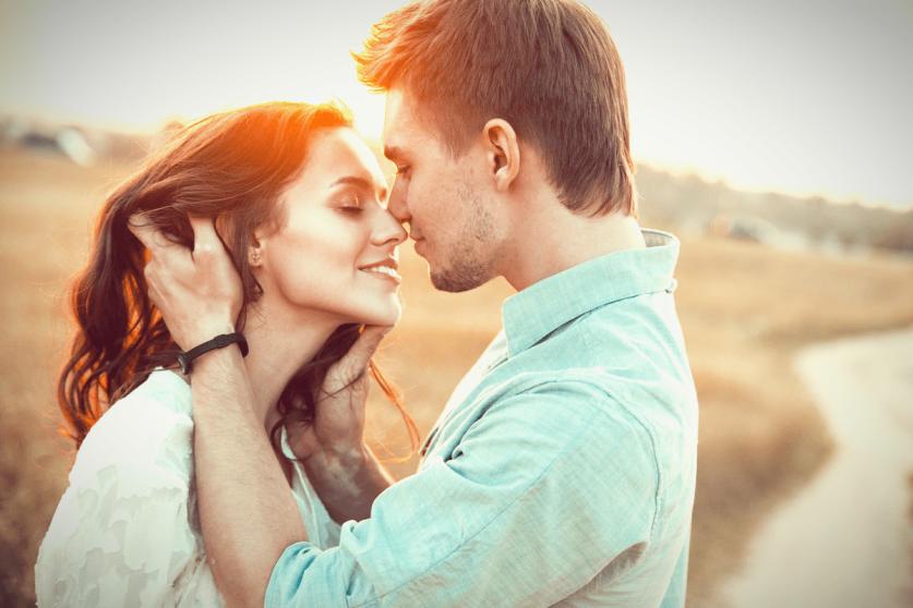 В чем смысл отношений между парнем и девушкой: кратко