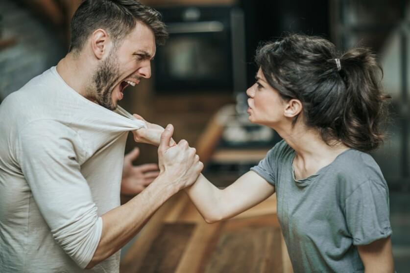 Токсичные отношения с женщиной: как распознать и выйти из них