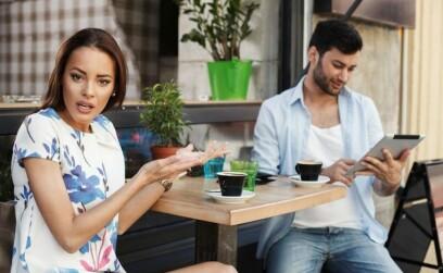 Парень-пофигист в отношениях: причины, признаки и способы борьбы
