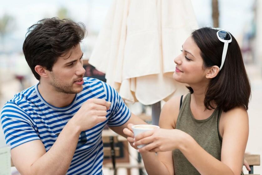 Первые отношения с парнем: когда возникают, как себя вести