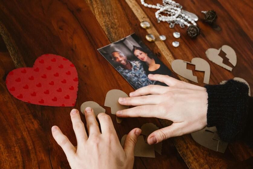 Вещи, которые не стоит делать после разрыва отношений с партнером