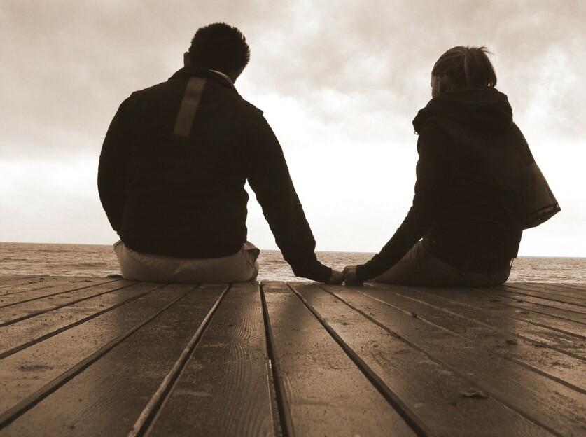 Почему некоторым людям комфортнее находиться без отношений