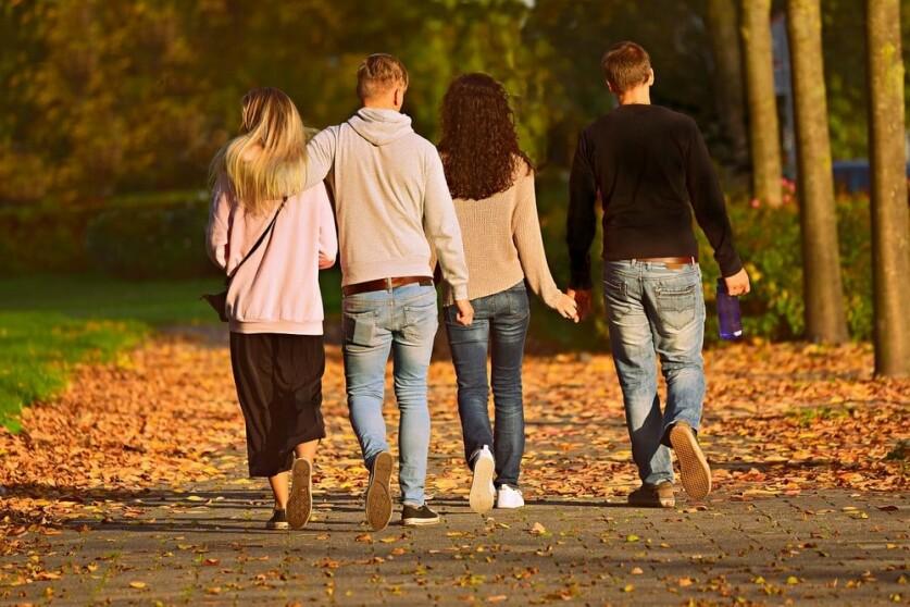 Почему парень не хочет знакомиться с друзьями девушки: советы девушкам