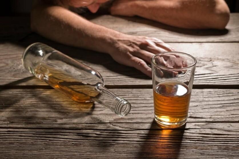 Отношения с зависимым от алкоголя мужчиной: симптомы, признаки и способы избавления