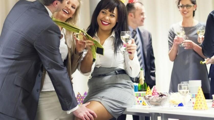 Как познакомиться с девушкой на корпоративной вечеринке