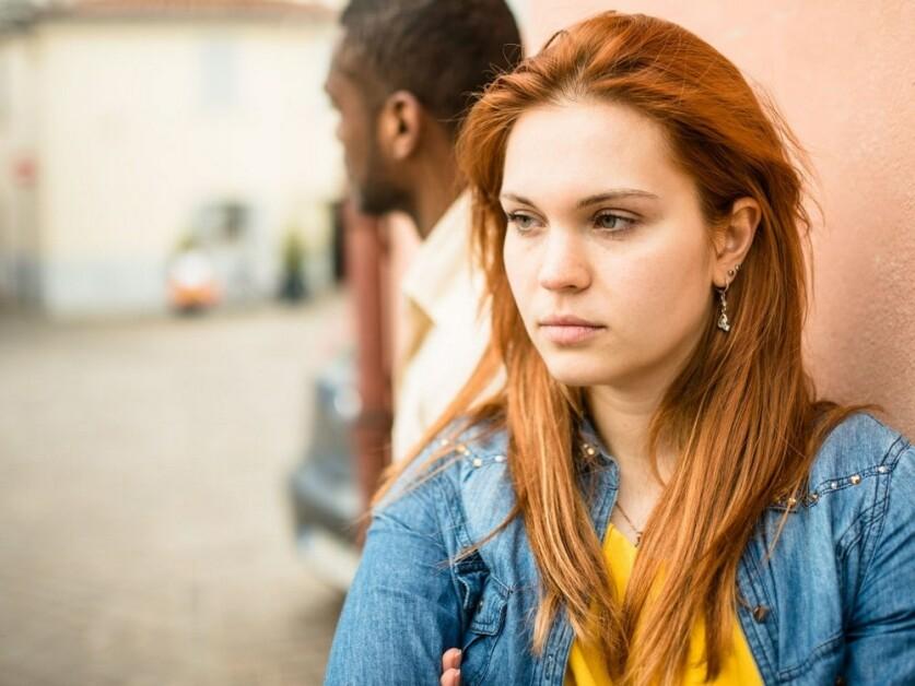 Женщина-социопат в отношениях: определение, причины, признаки и правила поведения