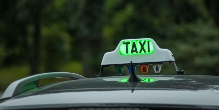 Как познакомиться с девушкой, работая в такси