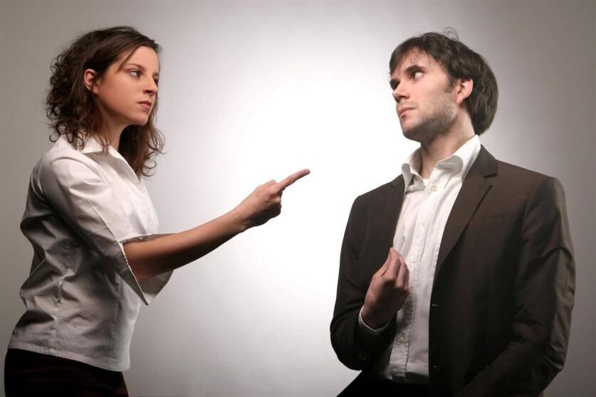 Ведомый парень в отношениях: особенности характера и признаки