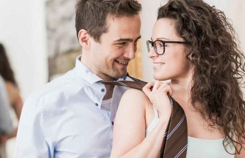 Кто такой каблук-парень в отношениях: по каким признакам можно узнать подкаблучника
