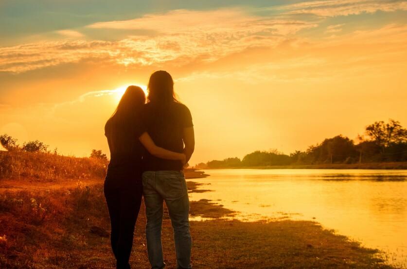 Пониженная самооценка женщины в отношениях: причины, влияние на отношения, способы ее повышения
