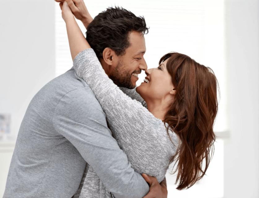 Можно ли по объятиям определить отношение мужчины к женщине и что делать, если парень не обнимает