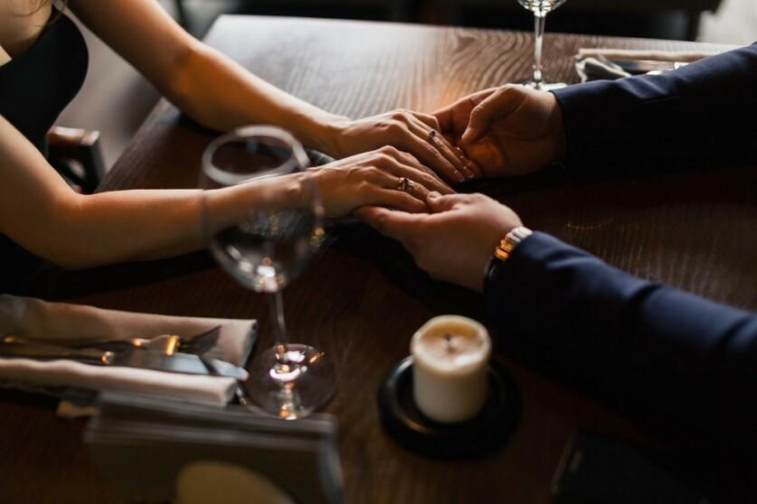 Мужчина-собственник в отношениях: определение, причины, признаки, психология, способы изменения поведения