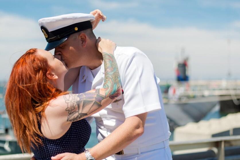 Как строить отношения с военным мужчиной