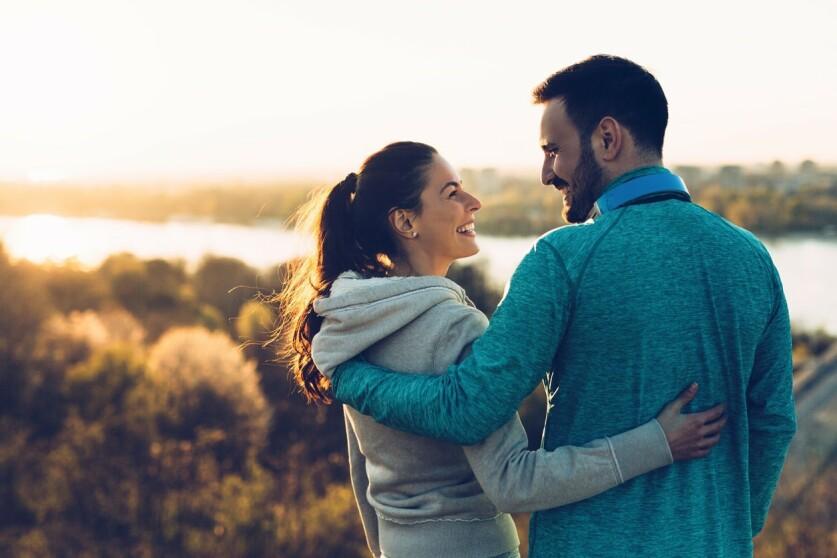 Как мужчина проверяет женщину в начале отношений – причины, способы