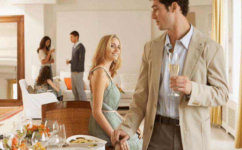 Как женщине познакомиться с парнем младше: советы и прогнозы