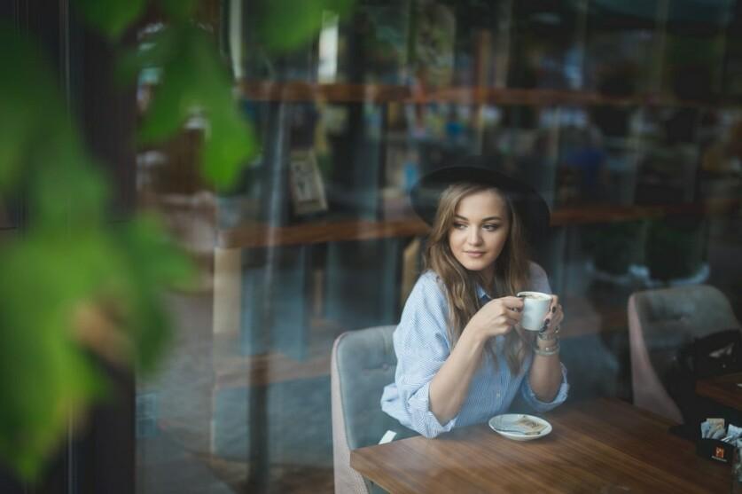 Как познакомиться с девушкой, которая тебе нравится — простые приемы и техника