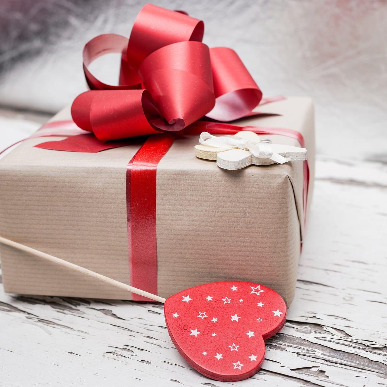 Подарки и оплата услуг
