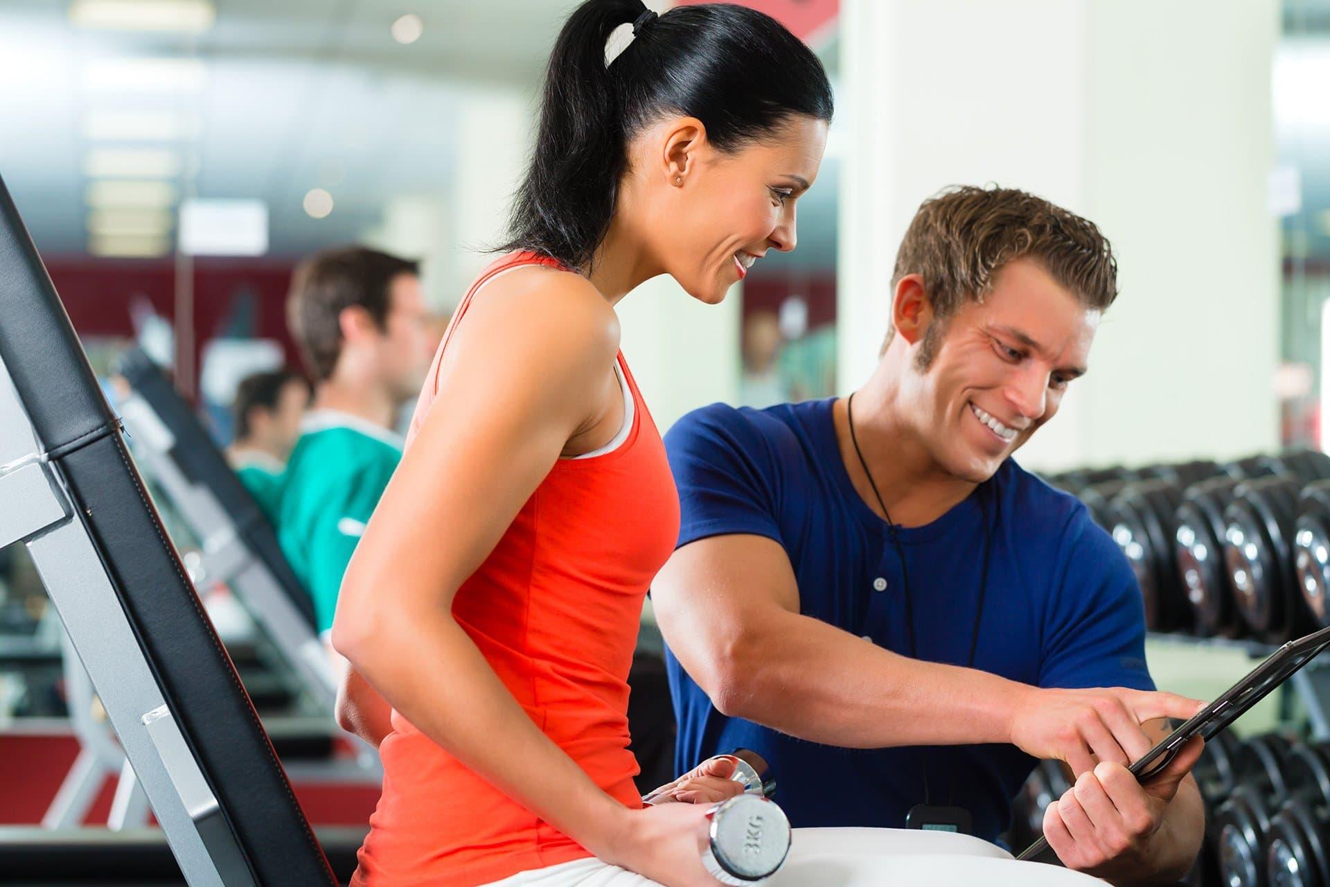 как познакомиться с девушкой на тренировке