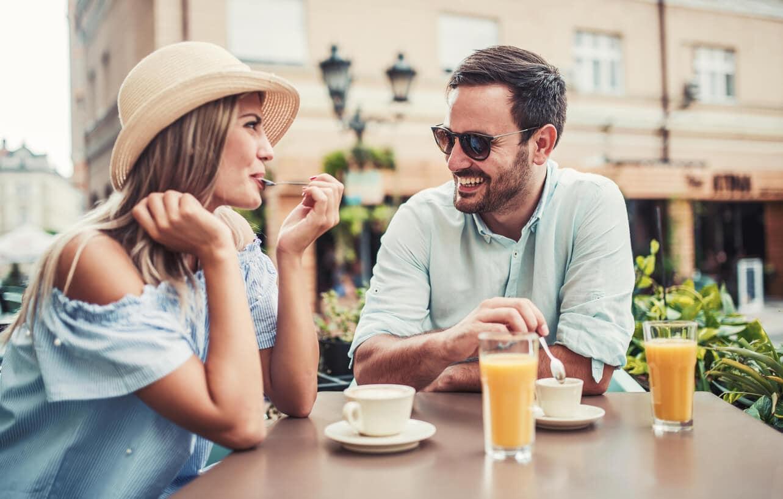 Первое свидание в кафе