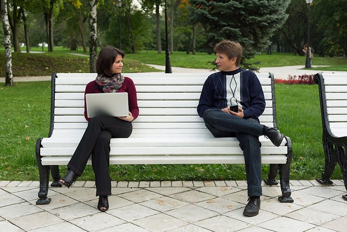 Разговор на скамейке