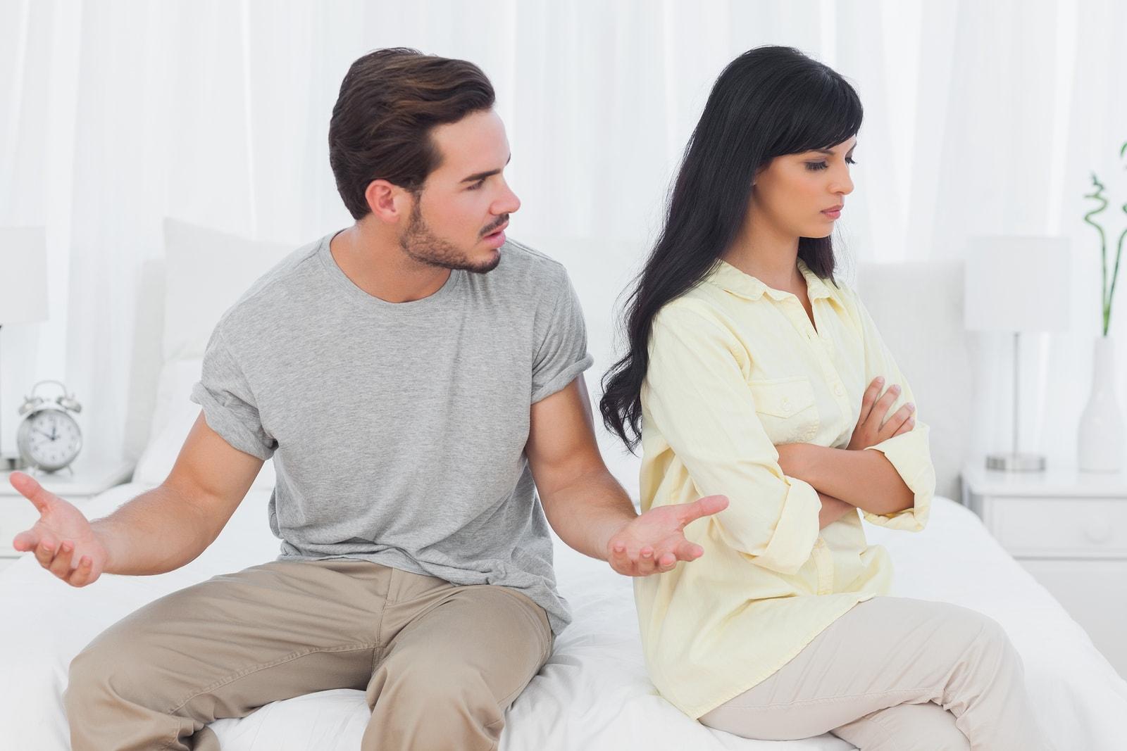 Обиженные мужчина и женщина