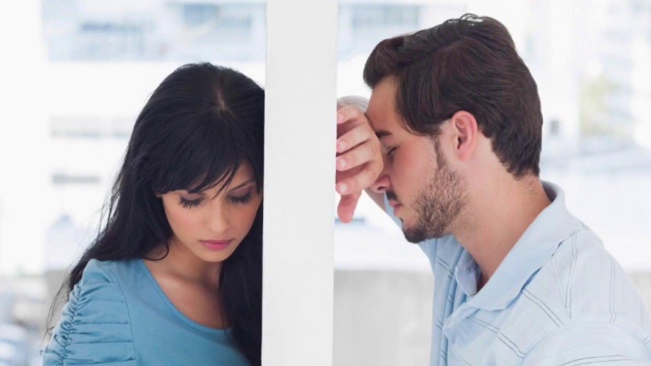 Женщина думает о муже