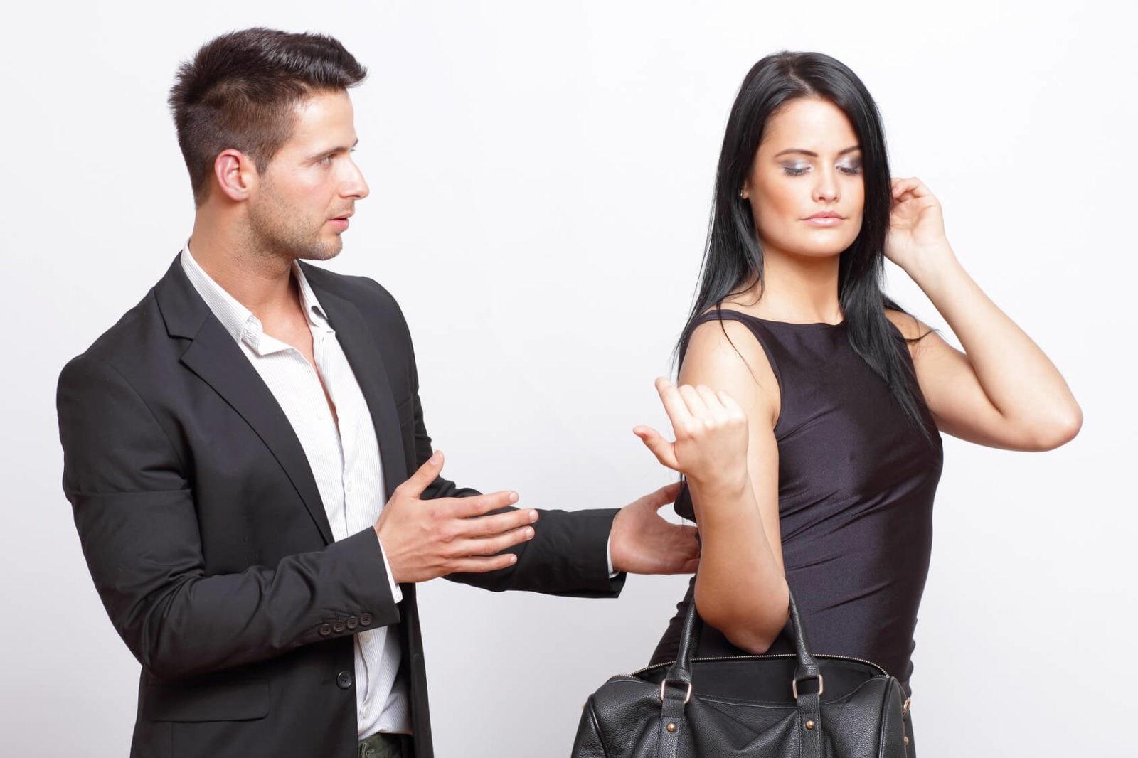 как стать главным в отношениях с девушкой