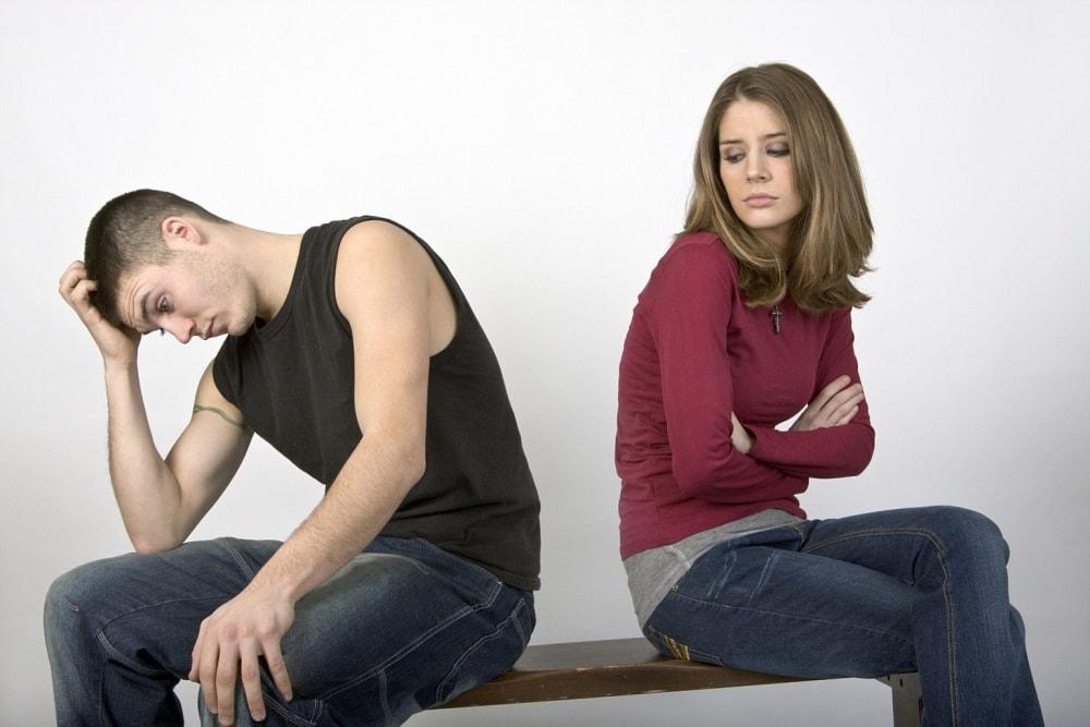 Мужчина и женщина обижены