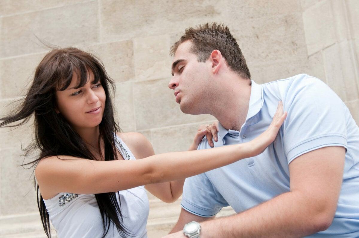 навязчивость в отношениях со стороны мужчины