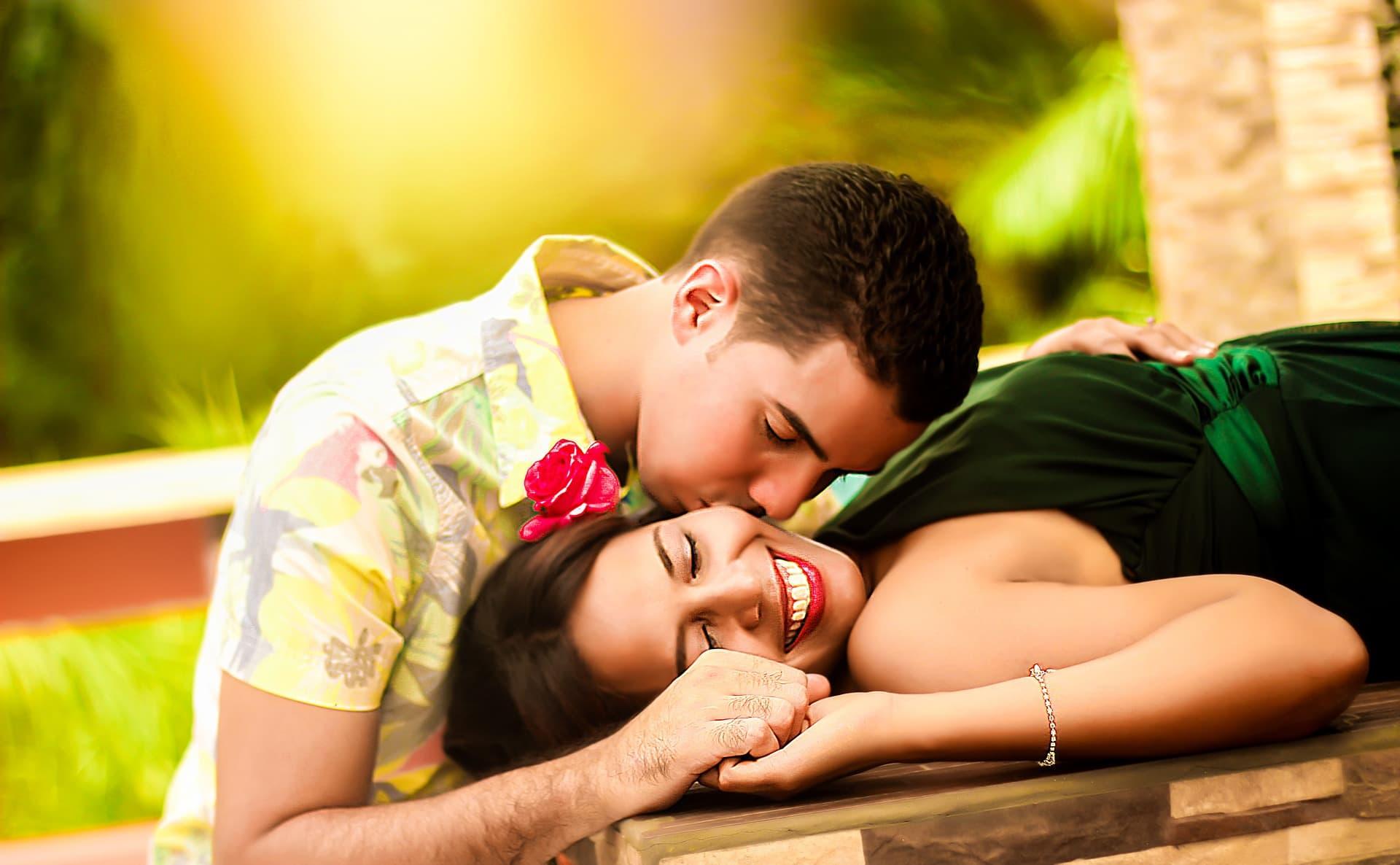 Неожиданные звонки среди ночи с предложением «расслабиться» могут означать сексуальную игру