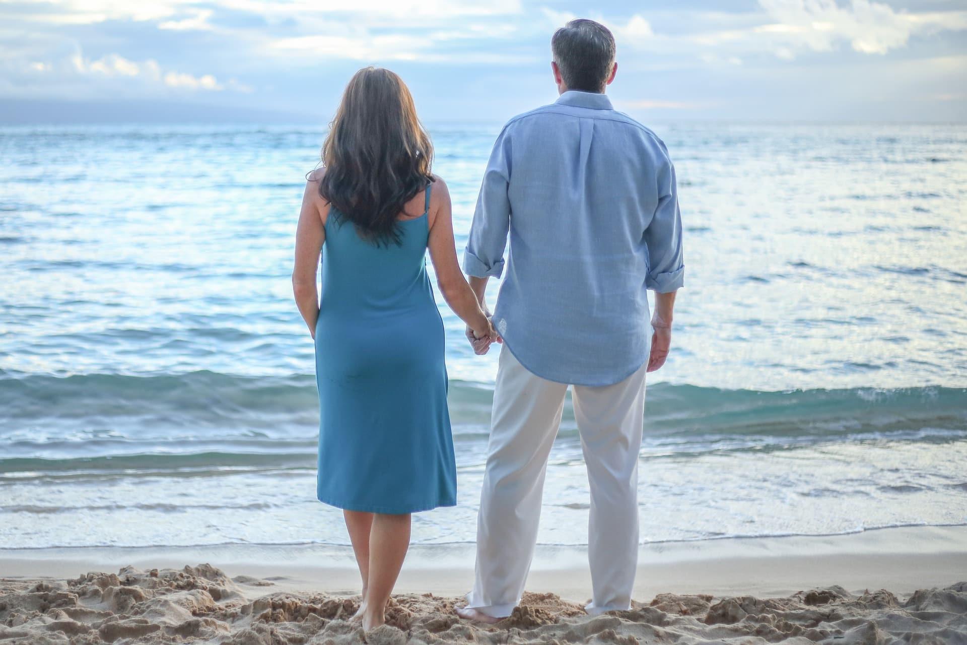 Отношения между пожилым мужчиной и молодой женщиной могут быть стабильными и прочными