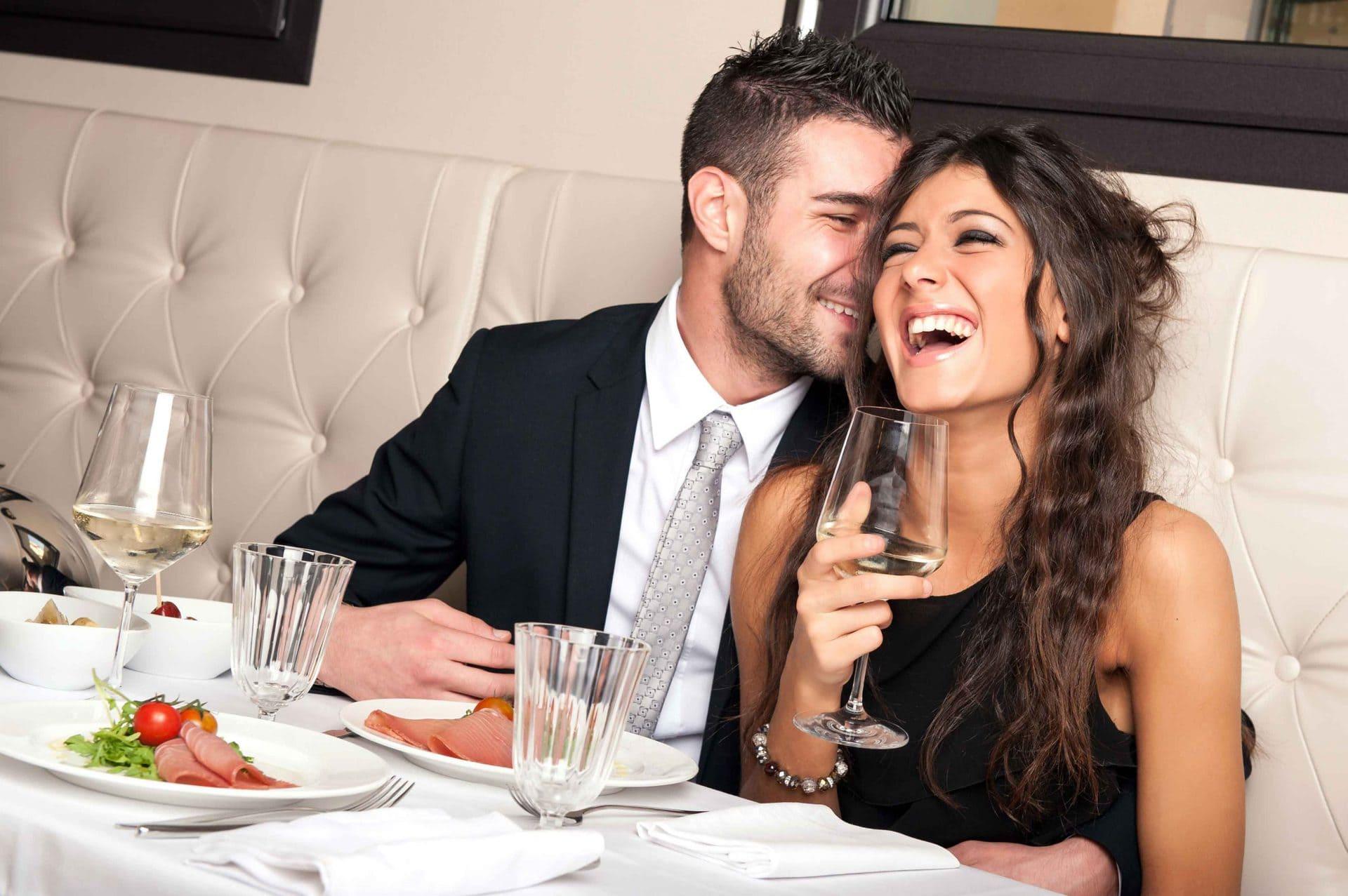 Пары в ресторане