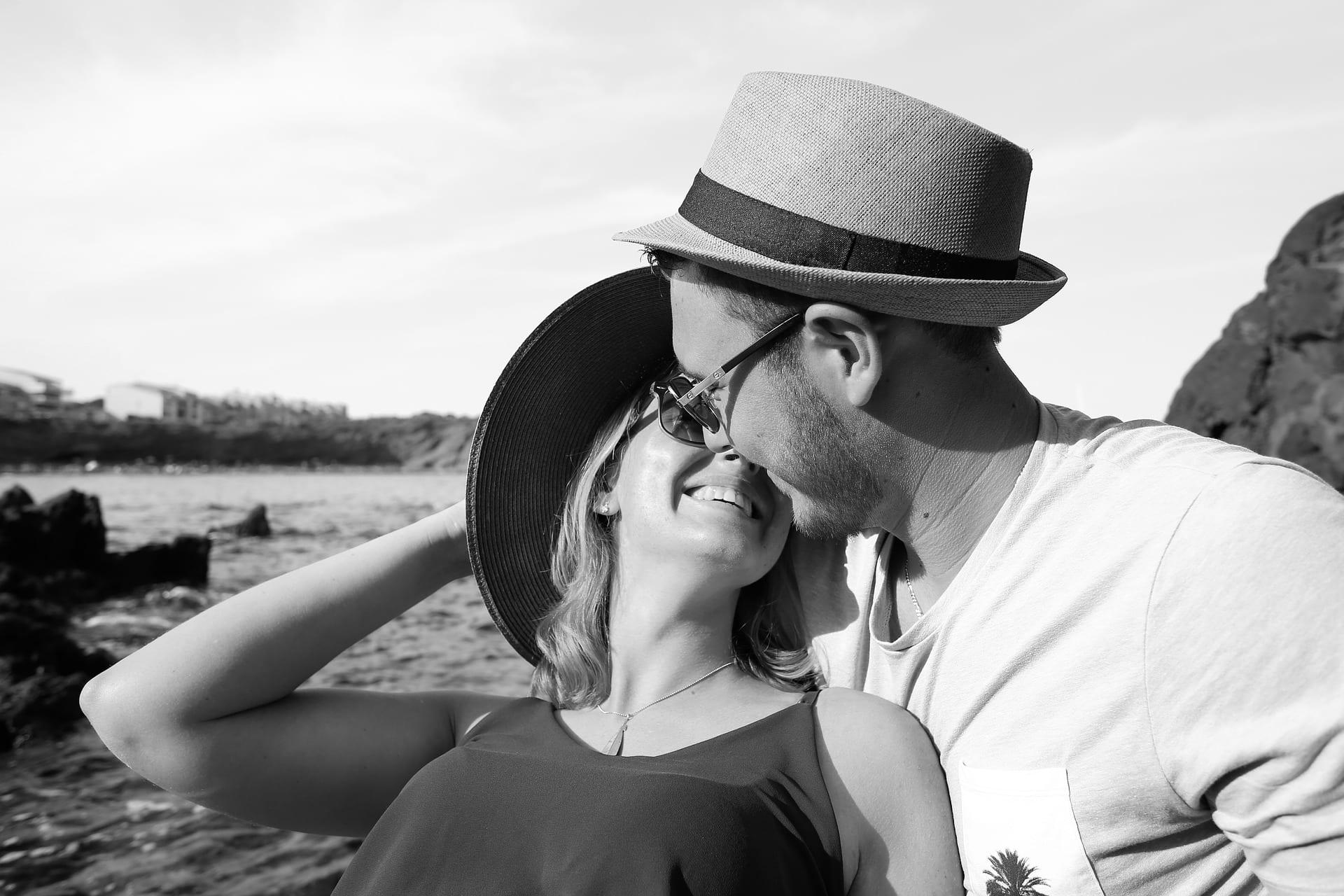 Перестать надумывать в отношениях с парнем новые проблемы может только счастливая, довольная женщина