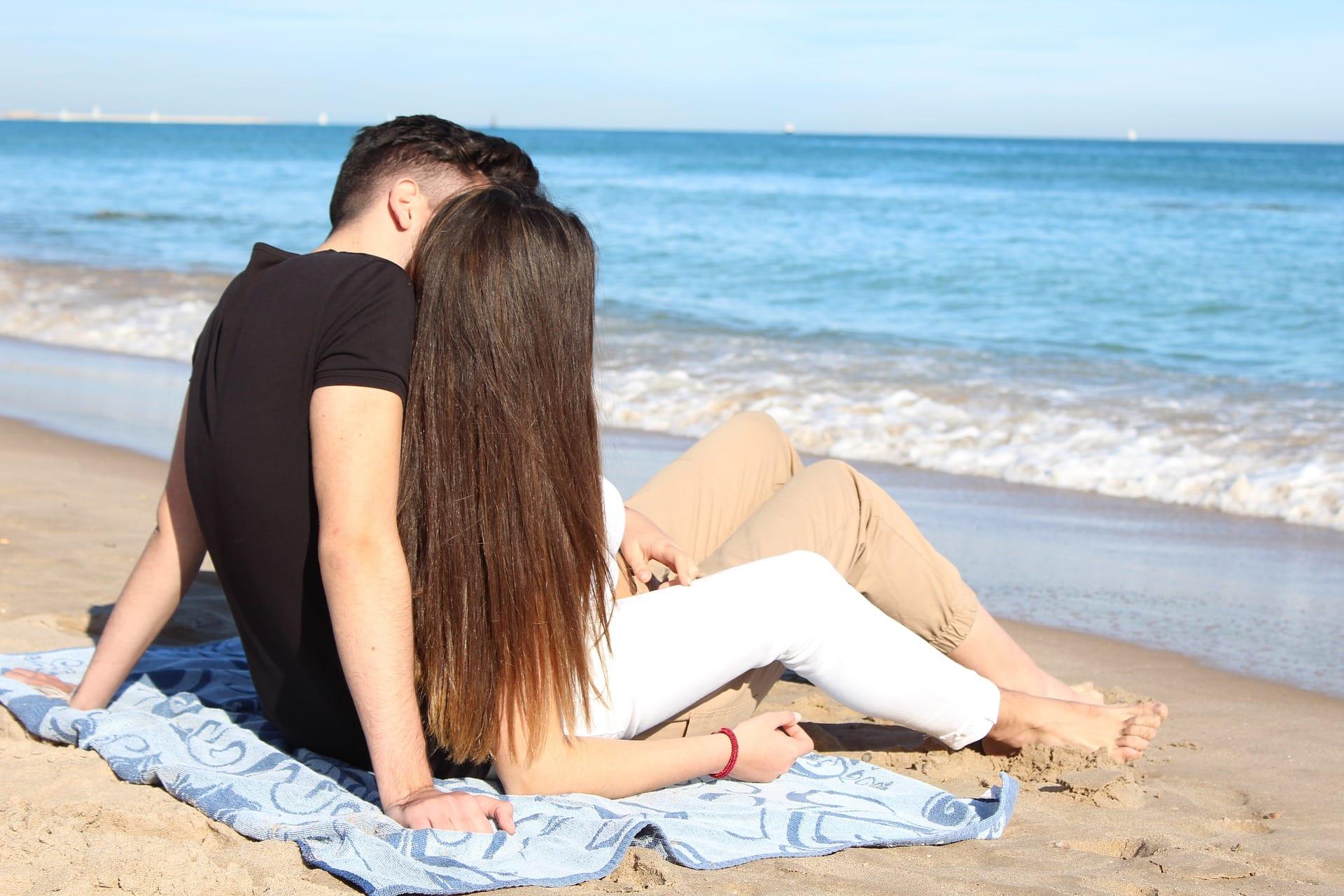 Сексологи считают, что повышение либидо в весенний период можно объяснить как социальными факторами, так и природными