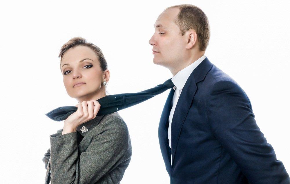 женские манипуляции мужчинами в отношениях