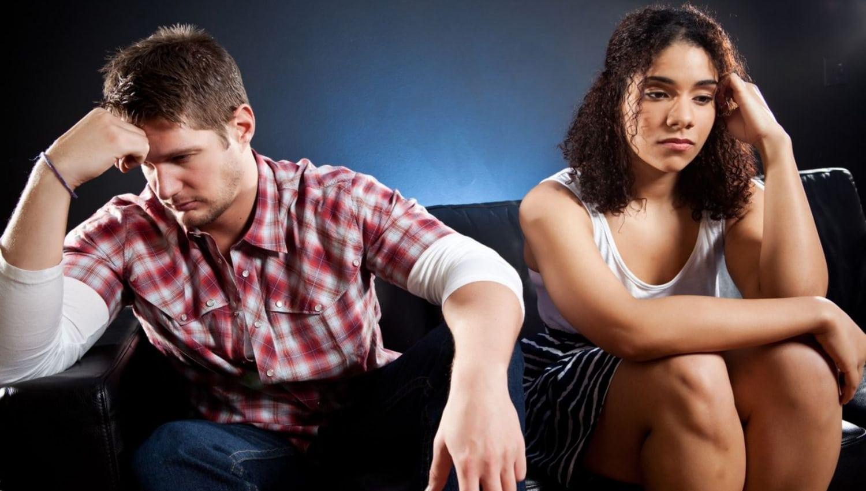 Парень и девушка в ссоре
