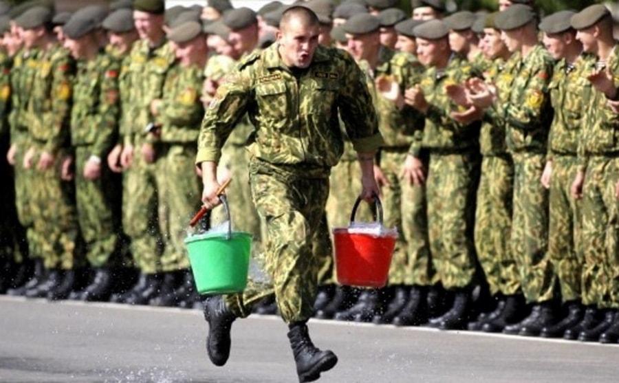 парень в армии