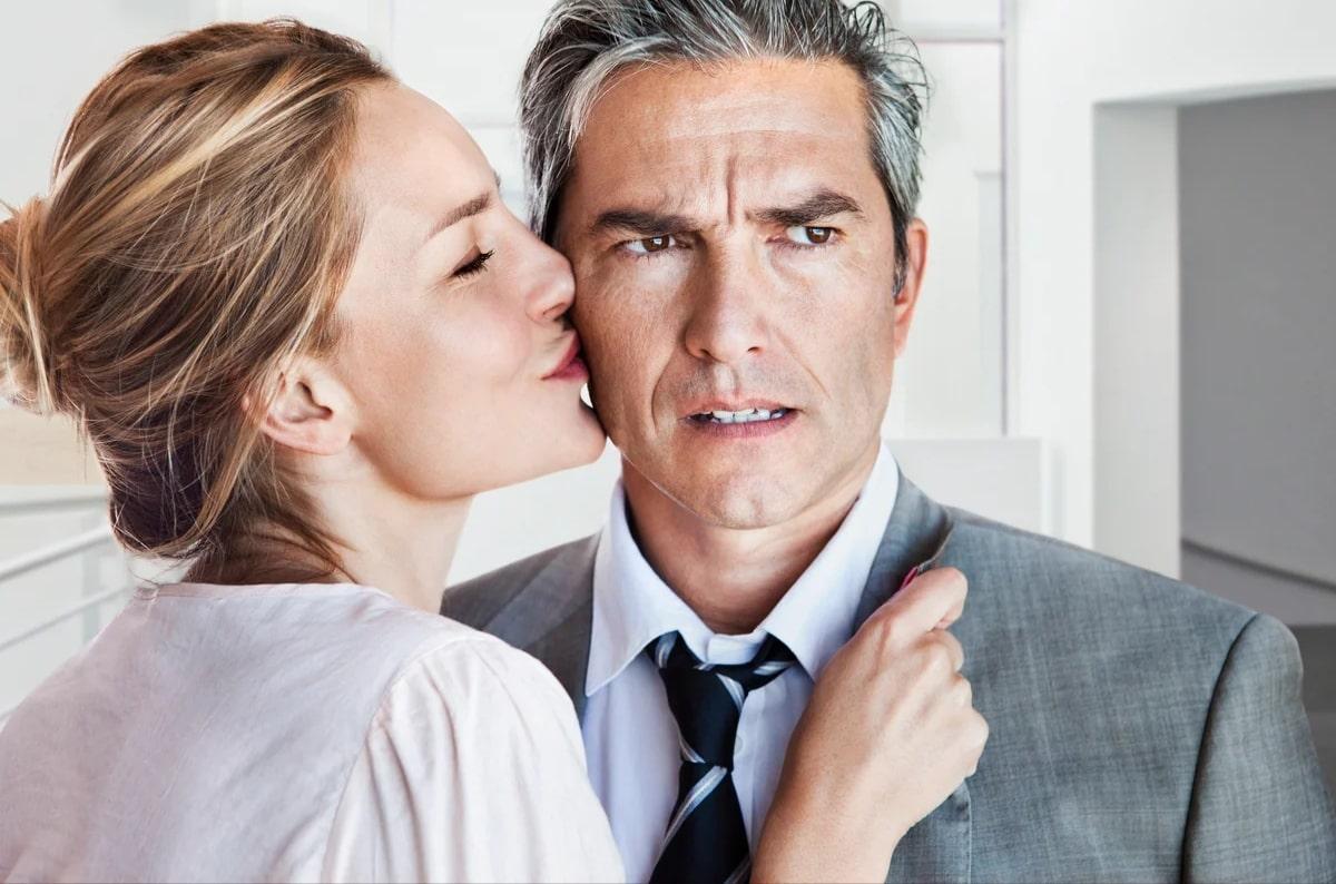 Взрослый мужчина и молодая женщина